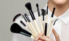 Make up brushes Oriflame cosmetics oriflame-anni. Concealer Brush, Eyeliner Brush, Lip Brush, Makeup Brush Set, Inglot Makeup, Mac Makeup Brushes, Eyeshadow, Oriflame Beauty Products, Best Makeup Products