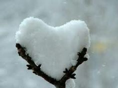 PopMuseSic would like to wish everyone LOVE this Valentines Day. Here are some amazing images of naturally occurring heart shapes in nature: Happy Valentines Day everyone! Heart In Nature, Heart Art, Peaceful Heart, I Love Heart, My Heart, Happy Heart, I Love Snow, Winter Beauty, Winter Scenes