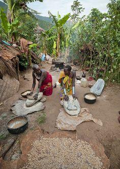 Surma Women working - Omo Ethiopia by Eric Lafforgue on Flickr.    (via raging-rawrpants)