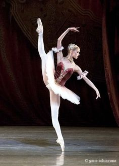 Alina Somova in Paquita, Mariinsky Ballet St Petersburg, Russia. gavrilushka: Alina Somova in Paquita Ballet Pictures, Dance Pictures, Ballet Class, Ballet Dancers, Ballet Costumes, Dance Costumes, Ballet Russe, Russian Ballet, Dance Movement