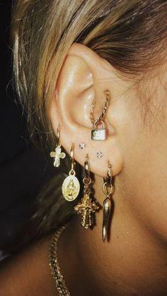 Textured Gold Bar Studs- minimal earrings/ bar studs/ staple studs/ minimalist modern studs/ line earrings/ geometric studs/ gifts for her – Fine Jewelry Ideas Related posts:cute multiple ear piercing ideas for women crystal flower. Ear Jewelry, Cute Jewelry, Jewelry Accessories, Women Jewelry, Jewelry Ideas, Jewellery, Fashion Jewelry, Gold Jewelry, Dainty Jewelry