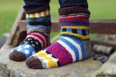 knitted socks inspired by Marimekko patterns Crochet Socks, Diy Crochet, Knitting Socks, Knit Socks, Knitting Projects, Knitting Patterns, Womens Wool Socks, Baby Boots, My Socks