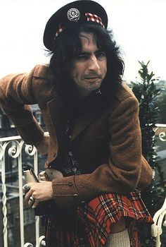 semiautomaticheart:    If I really had to choose, I'd say this is my favorite picture of Alice Cooper ever.  His pose.  His face.  His kilt.