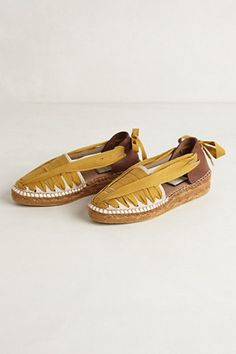 These espadrilles are gorgeous! I love the design and the color! I really want shoes  like these for summer!