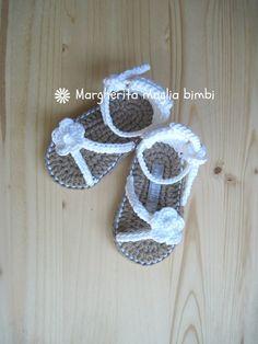 Sandali bianchi bimba fatti a mano all'uncinetto in puro cotone Egitto, by Margherita maglia bimbi, 20,00 € su misshobby.com