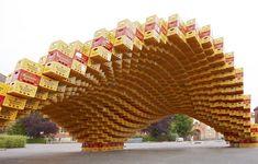 El pabellón BOXEL, construido con cajas recicladas de cerveza ~ Nomada Q