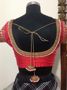 Different types of blouse for saree - ArtsyCraftsyDad New Saree Blouse Designs, Simple Blouse Designs, Saree Blouse Patterns, Designer Blouse Patterns, Bridal Blouse Designs, Sari Blouse, Blouse Simple, Saree Dress, Dress Patterns