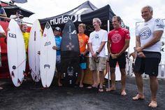 World Surf League: Legend Surfers Exhibition at Trestles / Hurley Proのエキシビションとして往年のサーフスターが華麗なライディングを披露した。解説は、4度の世界チャンピオンMark Richardsが担当した。