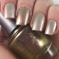 Natalie's gifted Morgan Taylor Professional Nail Lacquer in Potts Of Tea gets an enchanting revamp when layered with the Morgan Taylor Enchanted Patina Top Coat! Bag these sensational shades from the #BeautyandtheBeast 2017 Collection by clicking through. Products were gifted as part of the Preen.Me VIP program together with Morgan Taylor.