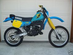 Yamaha IT-175