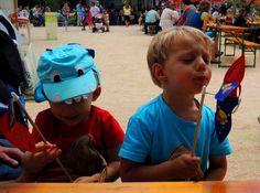 Unsere Gartensommer-Windräder waren sehr beliebt bei den kleinen Besuchern. @Die Garten Tulln/ Abenteuerfest für Gartenkids Hats, Inspiration, Design, Most Popular, Summer Recipes, Garten, Biblical Inspiration, Hat, Caps Hats