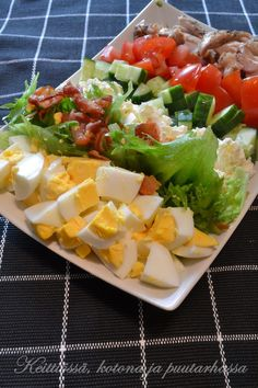 Food Humor, Funny Food, Cobb Salad, Food And Drink, Hollywood