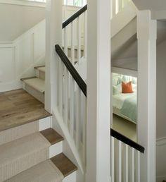 Modern Carpet Runners Design, Bilder, Remodel, Dekor und Ideen Source by Basement Stairs, House Stairs, Paint Stairs, Staircase Runner, Stair Runners, Open Staircase, Stairs With Carpet Runner, Wood And Carpet Stairs, Stairs