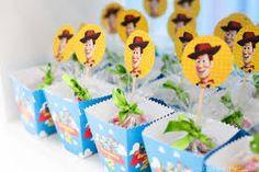 Resultado de imagem para festa toy story Festa Toy Store, Bernardo, Toys, Birthday, Cowboys, Toy Story Birthday, 2 Year Anniversary, Wedding Blog, Kids Part
