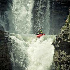 kayaking the curtain call, bighorn river, canadian rockies