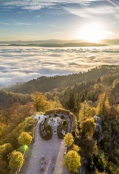 Der Uetliberg ist im Herbst der perfekte Zufluchtsort für alle, die dem tristen Hochnebel in Zürich für eine kurze Zeit entfliehen möchten.