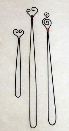Krokpärla Luffarslöjd - Bokmärke Wire Bookmarks, How To Make Bookmarks, Copper Wire Crafts, Metal Crafts, Artistic Wire, Book Markers, Holiday Crafts For Kids, Craft Show Ideas, Wire Jewelry