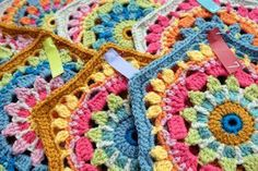 Diego's Flowers Hexagon Motif - free crochet pattern with lots of photos by Jane Crowfoot.