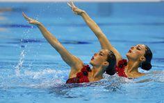 Ona Carbonell y Andrea Fuentes durante la realización de su ejercicio en el dúo.