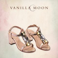 You don't compromise on style and we don't compromise on comfort. #VanillaMoon #VanillaMoonShoes #ComfortandStyle