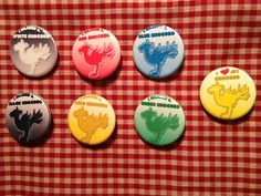 This Chocobo (Final Fantasy) button set includes the following:    I raised a...    White  Black  Green  Gold  Blue  Red    and    I <3 my