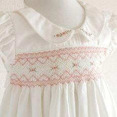 Image result for スモッキング刺繍 Smocked Baby Clothes, Girls Smocked Dresses, Baby Doll Clothes, Punto Smok, Smoking, Baby Dress Design, Smocking Patterns, Kids Frocks, Heirloom Sewing