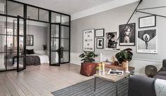 Dit prachtige eenkamerappartement van 52 vierkante meter heeft een heerlijk Scandinavisch interieur en een slimme indeling. We like!