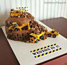 Construction Birthday Cake | Bits of EverythingBits of Everything
