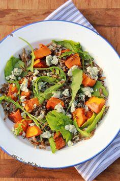 Salade met wilde rijst, gegrilde pompoen & blauwe kaas
