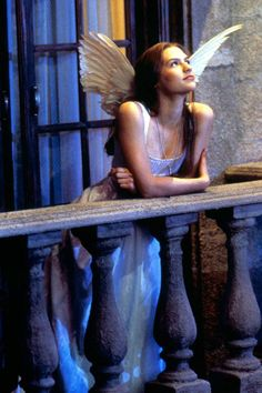 57 of the most *epic* movie costumes of all time (yes, including Andie Anderson's yellow dress) Romeo Juliet 1996, Romeo And Juliet Costumes, Romeo Costume, Iconic Movies, Iconic Characters, Good Movies, Claire Danes, Angel Aesthetic, Film Aesthetic