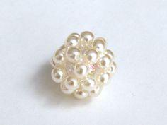ビーズボールの作り方2                                                                                                                                                                                 もっと見る Beaded Rings, Beaded Jewelry, Jewellery, Silver Rings Handmade, Handmade Jewelry, Bead Crafts, Jewelry Crafts, Beads And Wire, Simple Jewelry