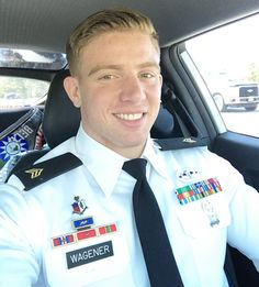 Uniform In Car : Photos Cop Uniform, Police Uniforms, Men In Uniform, Odell Beckham Jr Wallpapers, Sexy Military Men, Sexy Men, Hot Men, Hot Cops, Grown Man