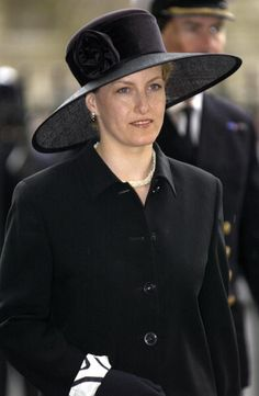 LONDON, UNITED KINGDOM - APRIL 19 2002: The Royal Family Returned To Westminster Abbey Today For A Memorial Service To Celebrate The Life Of Princess Margaret - Sophie, Countess Of Wessex Wearing A Black Hat And Outfit For Mourning. (Photo by Tim Graham/Getty Images)