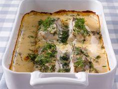 Juustoinen kalavuoka valmistuu helposti ja edullisesti pakastekalasta ja Kolmen juuston ruokakermasta.