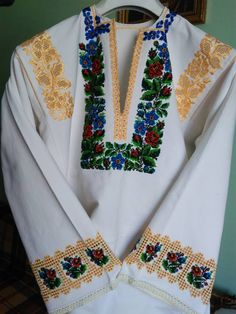 Борщівська Ely, Costumes, Embroidery, Crochet, Outfits, Tops, Women, Style, Fashion