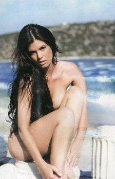 www.apopsi24.gr - Νέα γυμνή φωτογράφηση της Μαρίας Κορινθίου (pics)