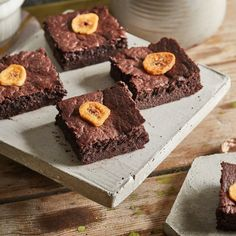 Mogyorókrémes, lisztmentes, banános brownie | Street Kitchen Brownies, Pound Cake, Cheesecake, Muffin, Sweets, Breakfast, Food, Cake Brownies, Morning Coffee