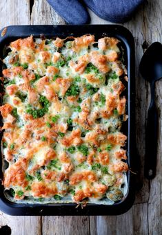 Krema blomkålform med laks - LINDASTUHAUG Seafood Dishes, Fish And Seafood, Macaroni And Cheese, Healthy Recipes, Healthy Food, Food And Drink, Ethnic Recipes, Desserts, Dinner Ideas
