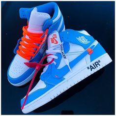 Dr Shoes, Cute Nike Shoes, Swag Shoes, Cute Sneakers, Nike Air Shoes, Hype Shoes, Jordans Sneakers, Jordan Shoes Girls, Air Jordan Shoes