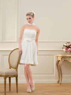 Escarpins en satin blanc neuves sexy  Robes de mariée et articles de ...