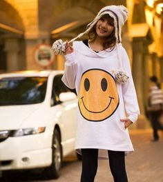 US $13.11(FREESHIPPING); Big Smile Even Cap Long Coat; http://www.aliexpress.com/store/product/2014-new-autumn-winter-women-hoody-casual-sport-suit-women-Big-Smile-Even-Cap-Long-Coat/626761_2036525768.html