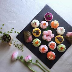 Japanese New Year, Japanese Lunch, Japanese Sweets, Japanese Food, Food N, Food And Drink, Temari Sushi, Kimbap, Sushi Art