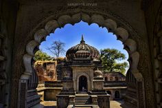 """Ahaliyabai Ghats"" #500px https://500px.com/photo/113292121?utm_medium=twitter&utm_campaign=nativeshare&utm_content=web&utm_source=500px #maheshwar #indore #sangeethpics #travel #incredibleindia #religion #ghats #temple #india"