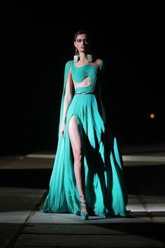Georges Hobeika, Vogue Paris, Turquoise Clothes, Dress Attire, Royal Dresses, Haute Couture Fashion, Couture Collection, Couture Dresses, Mannequins