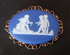 VINTAGE-ANTIQUE-9-ct-WEDGWOOD-CAMEO-PIN-Cherubs-BROOCH-9ct $189