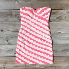 Strawberry Fields Dress, Sweet Party & Wedding Dresses from Spool Cute Dresses, Cute Outfits, Summer Dresses, Summer Clothes, Casual Dresses, Women's Dresses, Wedding Dresses, Vogue, Country Outfits