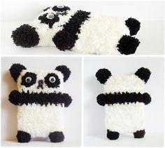 Crochet panda phone case =)