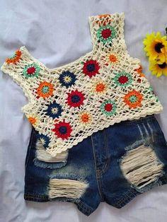 Crochet Bikini Top, Crochet Top, Crochet Clothes, Diy Clothes, Granny Square Blanket, Crochet Granny, Crochet Projects, Bikini Tops, Crochet Patterns