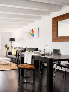 Dining area in modern apartment in Gracia, Barcelona. Advanced Home Staging | Markham Stagers, Barcelona
