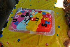 Torta Topolino con cialda di Topolino in pdz e decorazioni in pdz